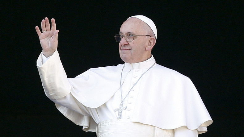 Pope Francis compares church to 'field hospital,' talks prison & homosexuals in newest book