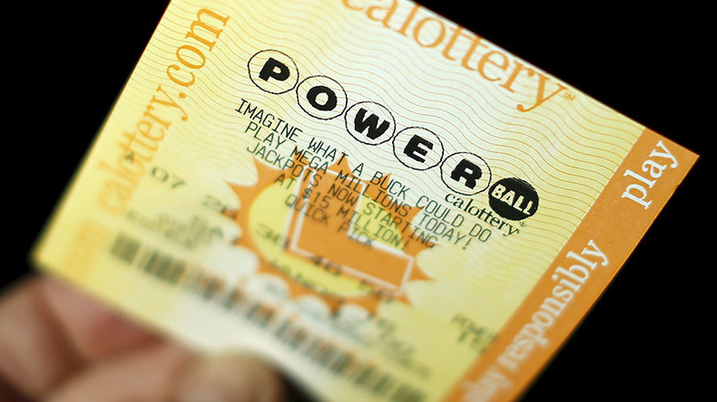 US Powerball lottery insanity: a billion dollars, country goes crazy, nobody wins