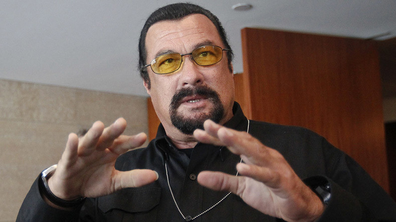 Steven Seagal gets Serbian citizenship