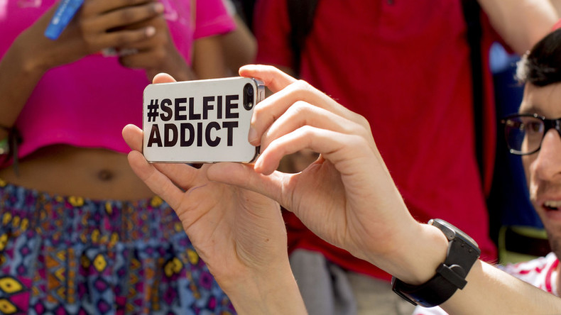 Kill shots: Mumbai identifies 'no selfie' zones after people die while taking photos