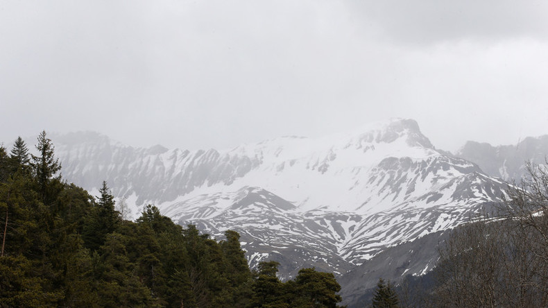 At least 5 soldiers killed in French Alps avalanche - reports