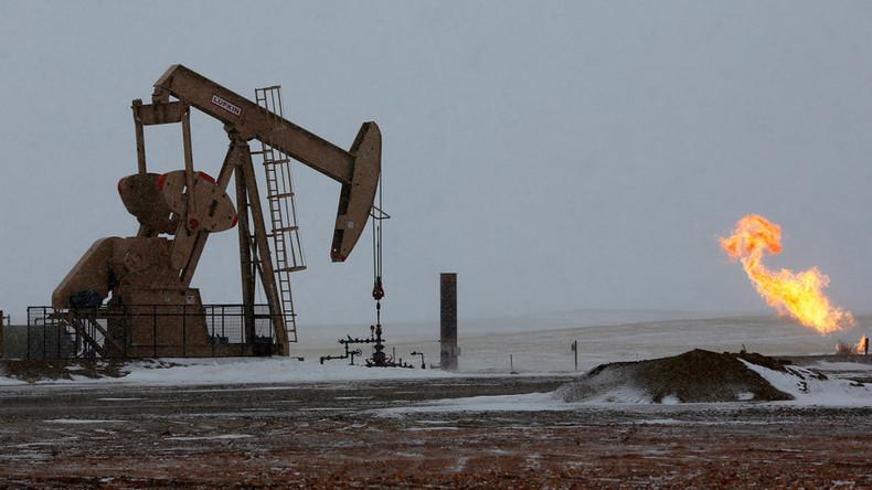Despite environmental concerns, North Dakota approves largest capacity crude oil pipeline
