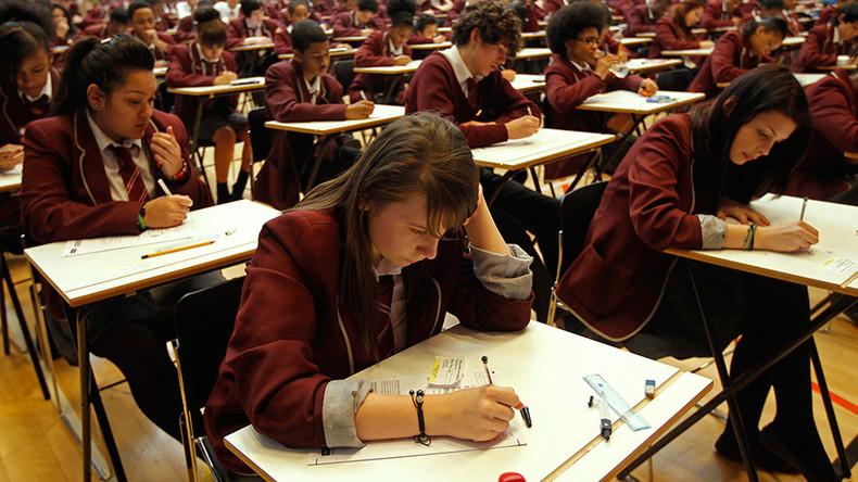 312 English schools failed to meet govt GCSE threshold in 2015