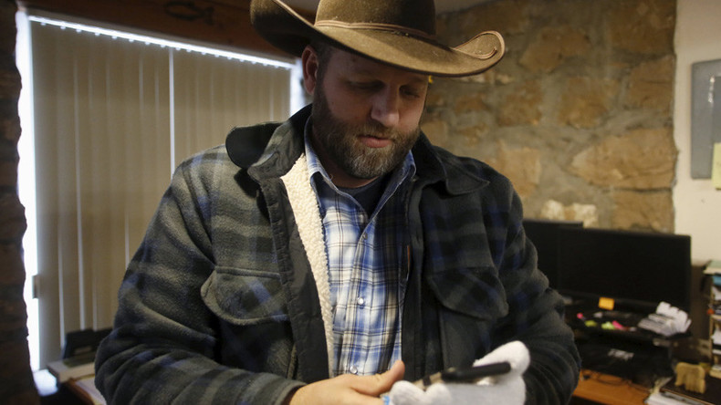 Oregon militia leader Ammon Bundy has begun talks with FBI