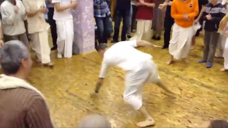 Hare hip-hop: Krishna b-boy breakdance vid breaking internet (VIDEOS)