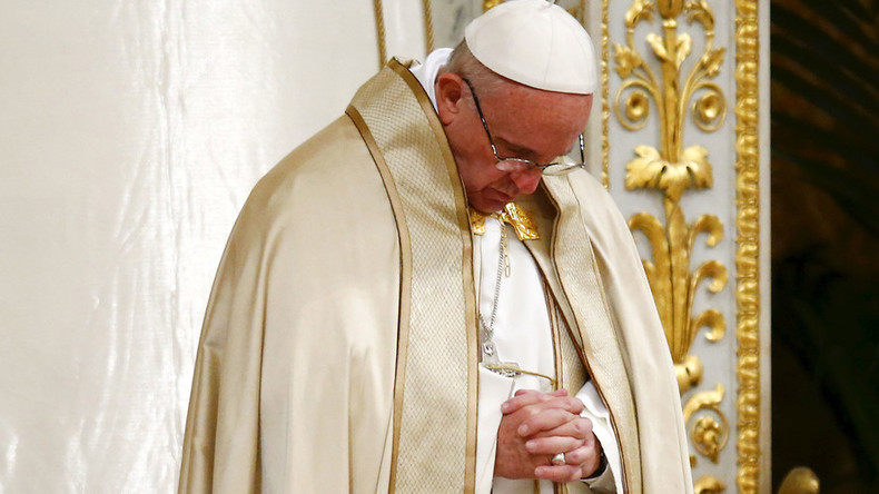 Pope Francis under fire for 'concessions' to Protestants after asking for forgiveness, common prayer