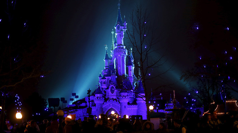 Man with 2 guns, ammo & Koran arrested in Disneyland Paris