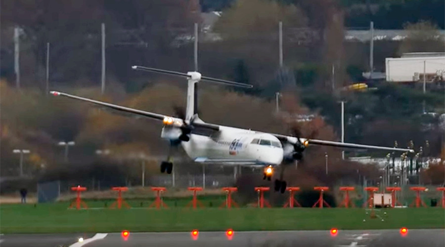 Mad props: Regional pilots make miraculous landings in strong UK winds (VIDEO)