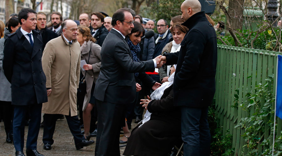 Misspelled Charlie Hebdo plaque draws social media anger against Hollande