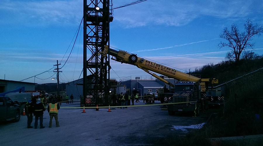 10 hours at 900 feet under: NY salt miners rescued