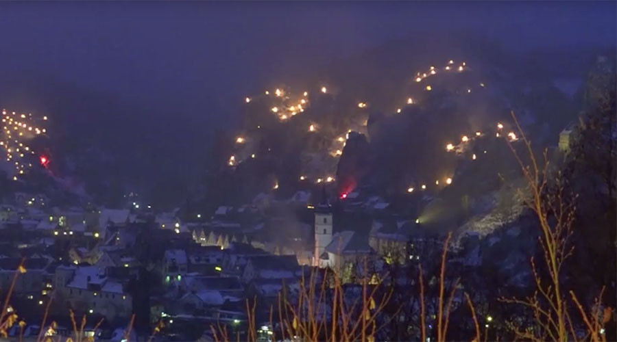 Fire Mountain: Stunning beacons light up German countryside (VIDEO)