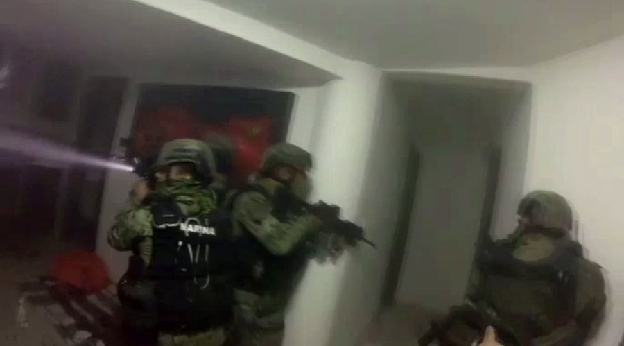 Real-time takedown: Helmet cam shows blasts & gunshots in blockbuster-style El Chapo police raid