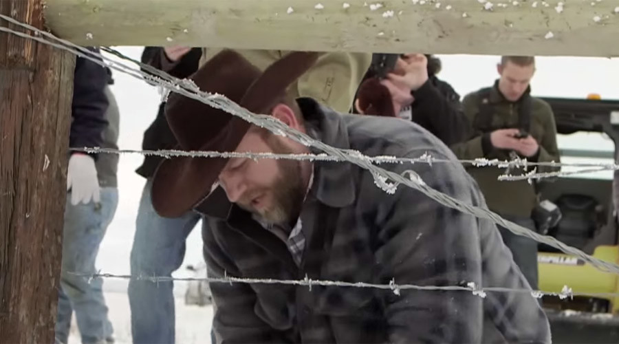 Oregon standoff: Militia member loses foster kids, blames 'pressure from the feds'