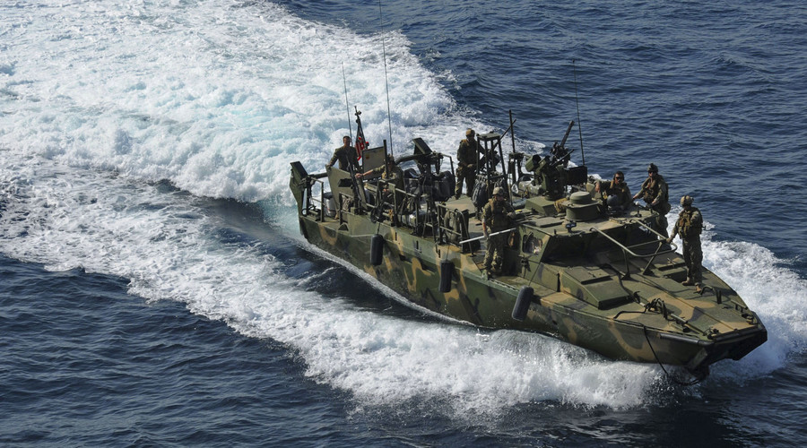 Iran releases 10 US sailors detained over territorial waters breach (PHOTOS)