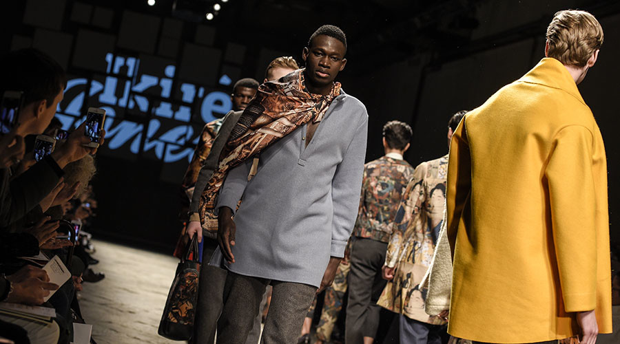 Refugee runway: Migrants take to catwalk in famous Italian fashion show