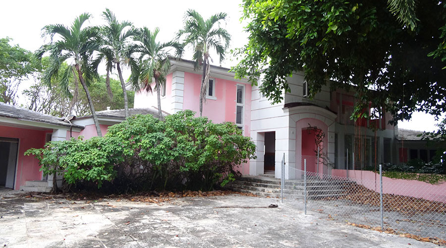 Stash in the attic? Miami millionaire demolishes $10mn mansion to find drug lord Escobar's treasure