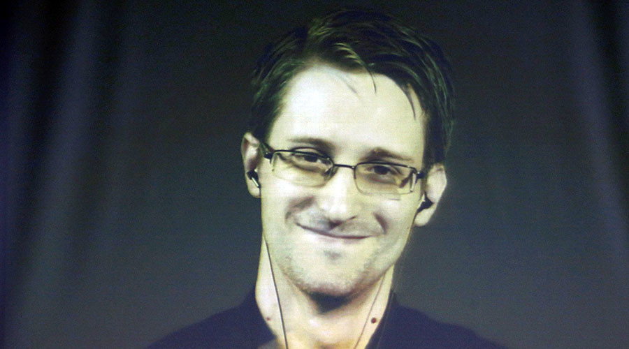 Has Edward Snowden asked lady fans not to send him nude photos?