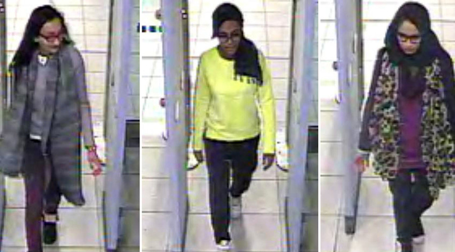 London schoolgirls who fled to Syria have lost contact with families – lawyer