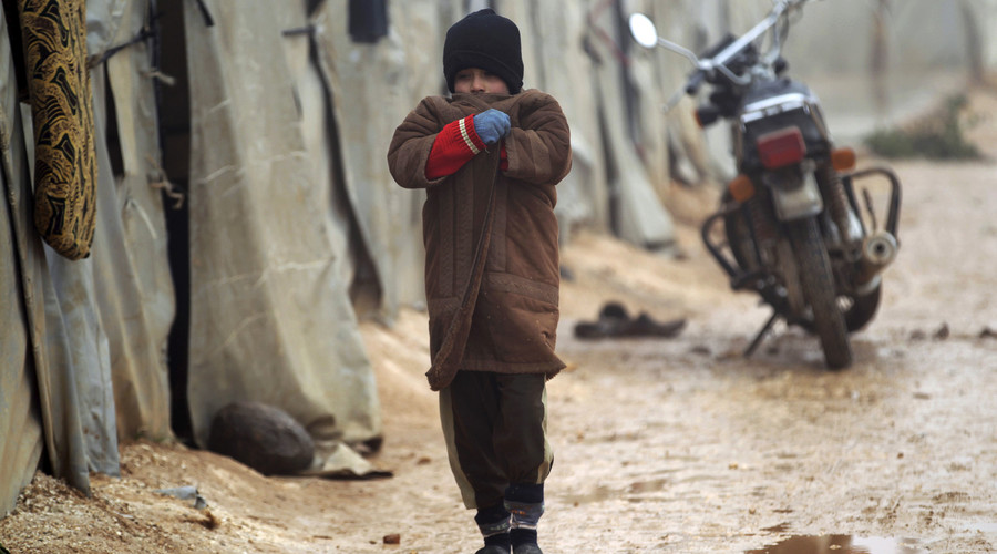 Syria crisis: Britain considers humanitarian aid drops in extreme circumstances
