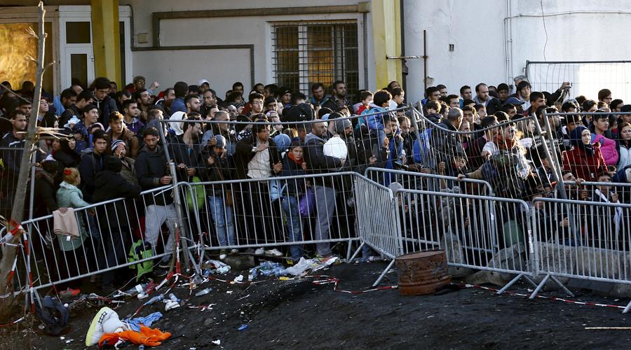No German – no money: Austria to fine refugees for refusal to take intergration classes