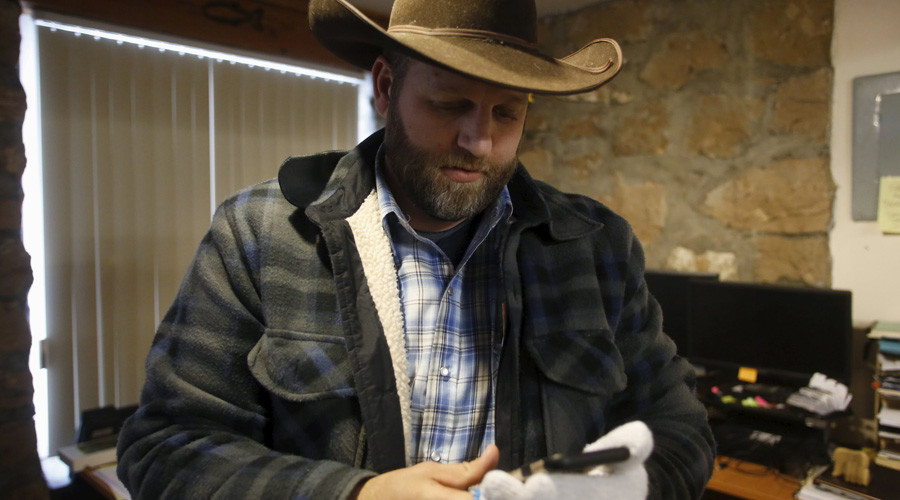 Oregon militia leader Ammon Bundy has begun talks with FBI