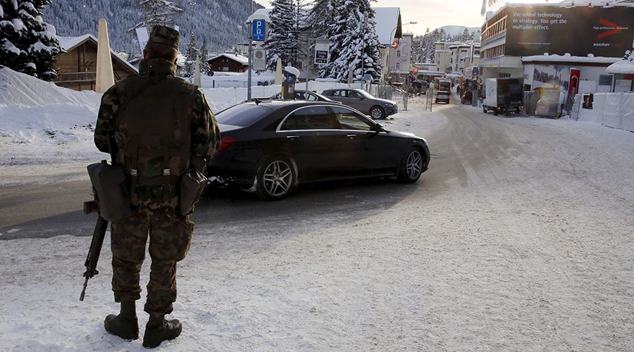 Swiss marching powder: Soldiers sent home from Davos for taking cocaine on duty