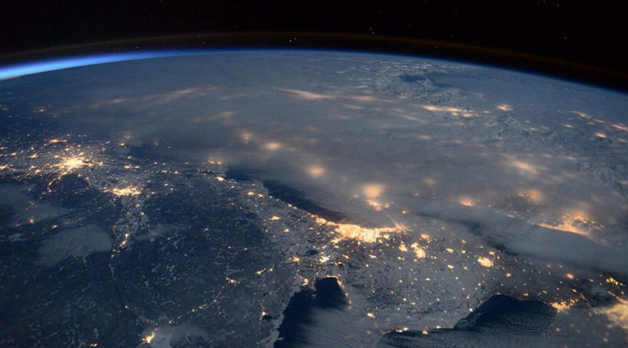 Severe blizzard & thundersnow captured from space cloaking East Coast (PHOTOS)