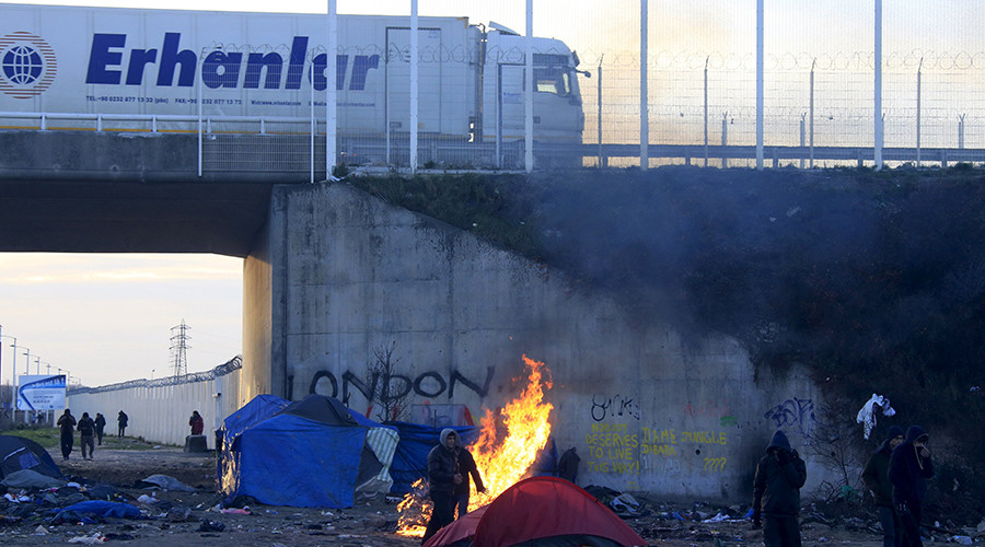 'We are calling on the French government to deploy the military in Calais'