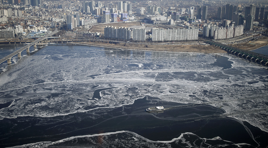 Death toll rises across East Asia after freak cold snap