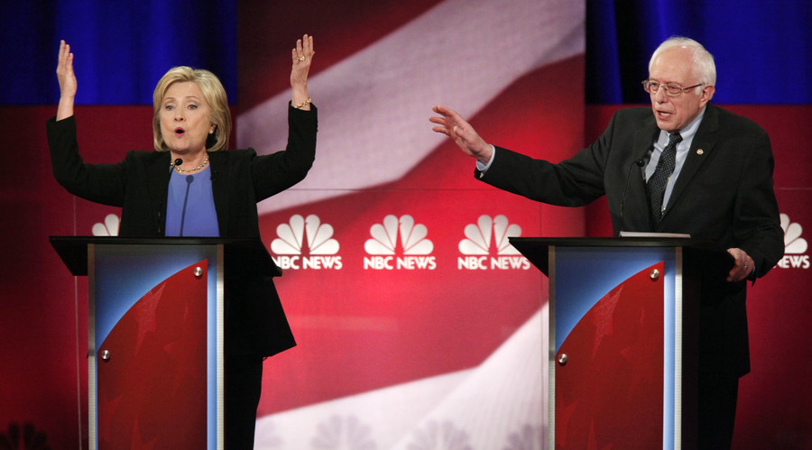 Democratic town hall: Clinton, Sanders battle ahead of last meeting before Iowa Caucus
