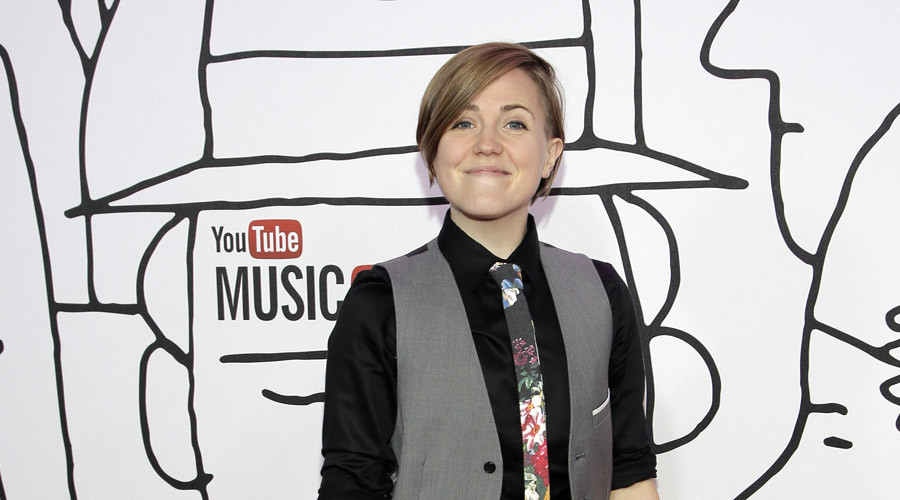 Hannah Hart on Ingrid Nilsen, 'Electra Woman & Dyna Girl,' and Having Larry on 'My Drunk Kitchen'