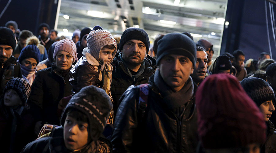 EU warns Greece could be sealed off from Schengen zone over its handling of refugee crisis