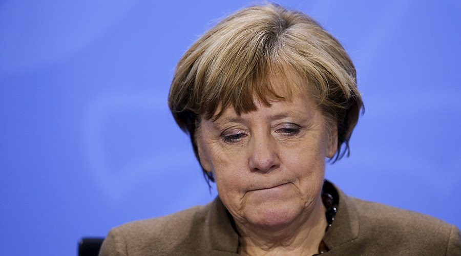 40% of Germans want Merkel to quit over refugee policy – poll