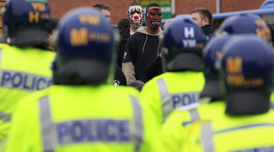 9 arrested amid clashes between far-right 'infidels' and anti-fascist protesters in Dover (VIDEO)