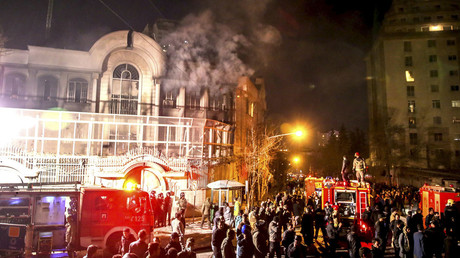 Flames rise from Saudi Arabia's embassy during a demonstration in Tehran January 2, 2016. © Mehdi Ghasemi