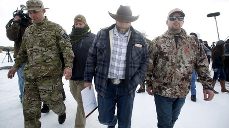 A week out West: Oregon militia standoff hits day 7