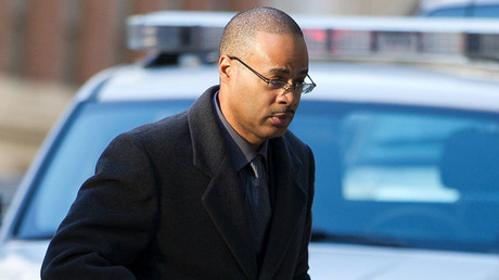 2 officers in Freddie Gray case sue prosecutor for defamation over their arrests