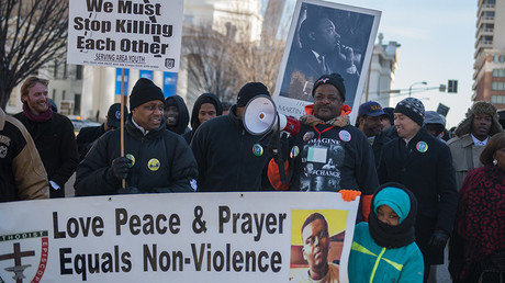 Supporters and community leaders hold a march outside the Old Courthouse on Martin Luther King Day, January 18, 2016 in St. Louis, Missouri © Michael B. Thomas