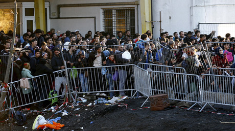 No German – no money: Austria to fine refugees for refusal to take intergration classes