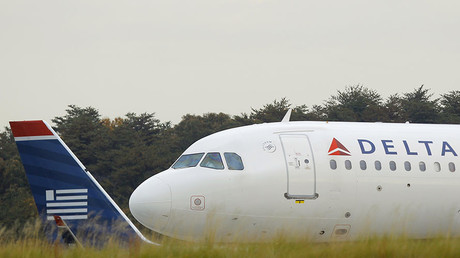 Delta flight lands at Air Force base by mistake