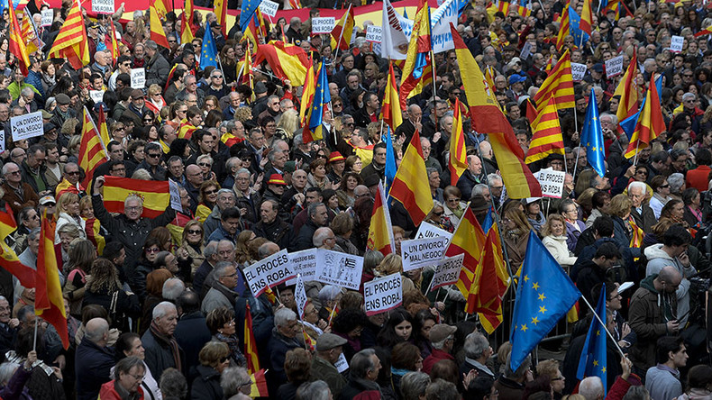 'Long live Spain': Thousands call for unity, protest Catalan secession in Barcelona