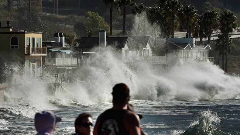 150,000 homes without power, gusts up to 115mph as El Nino storm hits US southwest