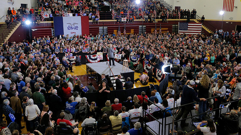 Trump leads crowded GOP field going into Iowa Caucus; Clinton, Sanders tied