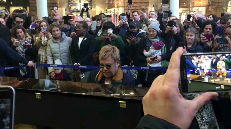 Surprise! Sir Elton John plays piano in London station (VIDEO)