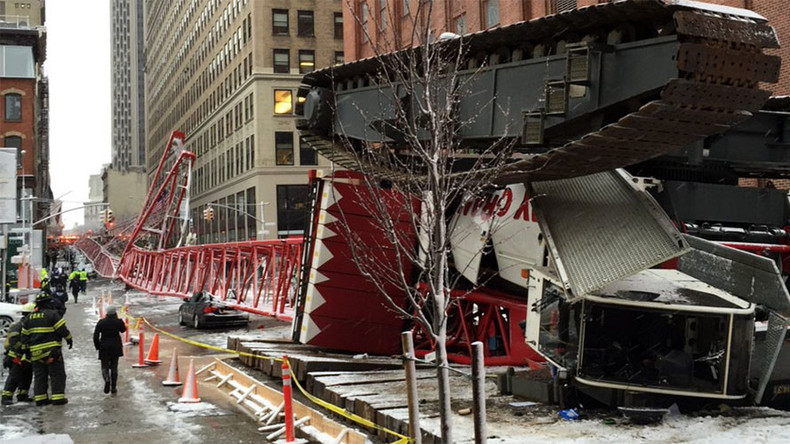 Crane collapses on cars in Lower Manhattan, 1 killed (PHOTOS, VIDEO)