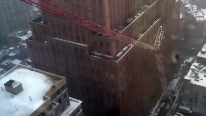 Video shows moment crane collapsed in New York City
