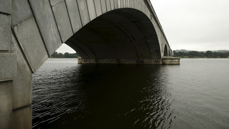 Coast Guard to use dye to investigate mysterious oil spill coating Potomac River