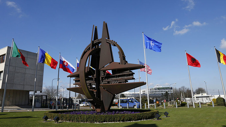 'US teams up with E. Europe to prevent W. Europe rapprochement with Moscow'