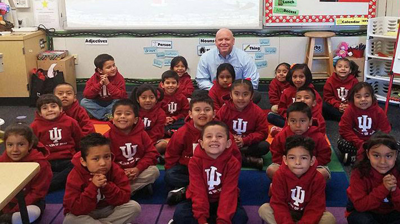 Kindergarten Hero: Navy veteran pledges $1mn towards college education of 26 kids