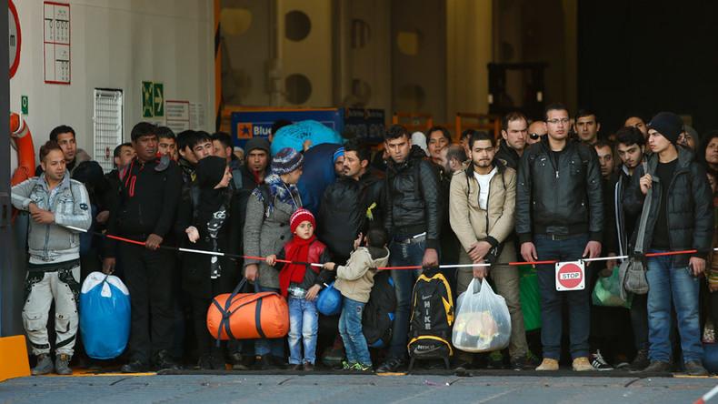 EU gives Greece 3 months to fix borders or risk Schengen suspension